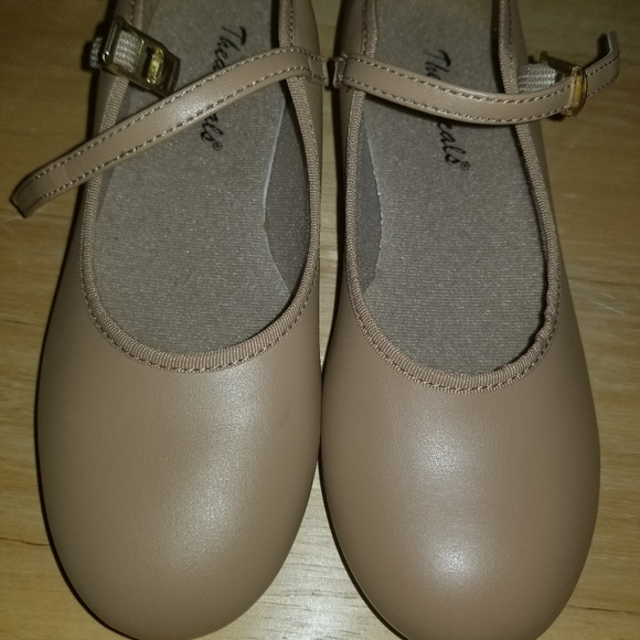 theatricals Other - Brand New! Theatricals Tap shoes